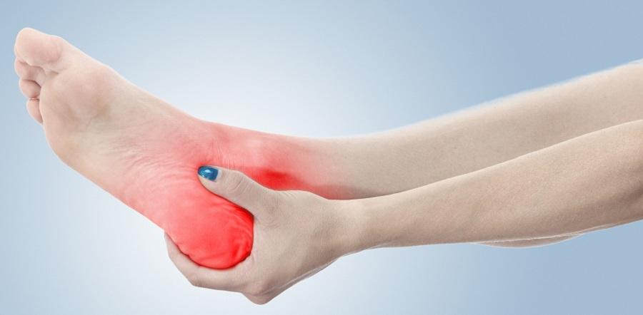 Hogyan kezeljük a polyarthritist a lábakon?