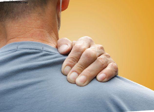 fájdalom az alsó hát nyakában az összes ízületben)