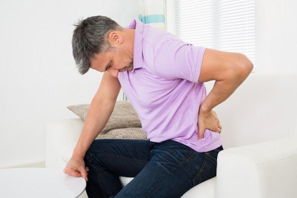 felnőtt csípőkibocsátás tünetei