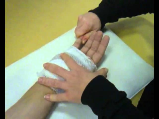 kéz izületeinek gyulladása)