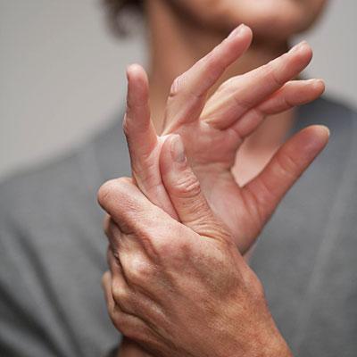 az ujj ízülete fáj, mi az