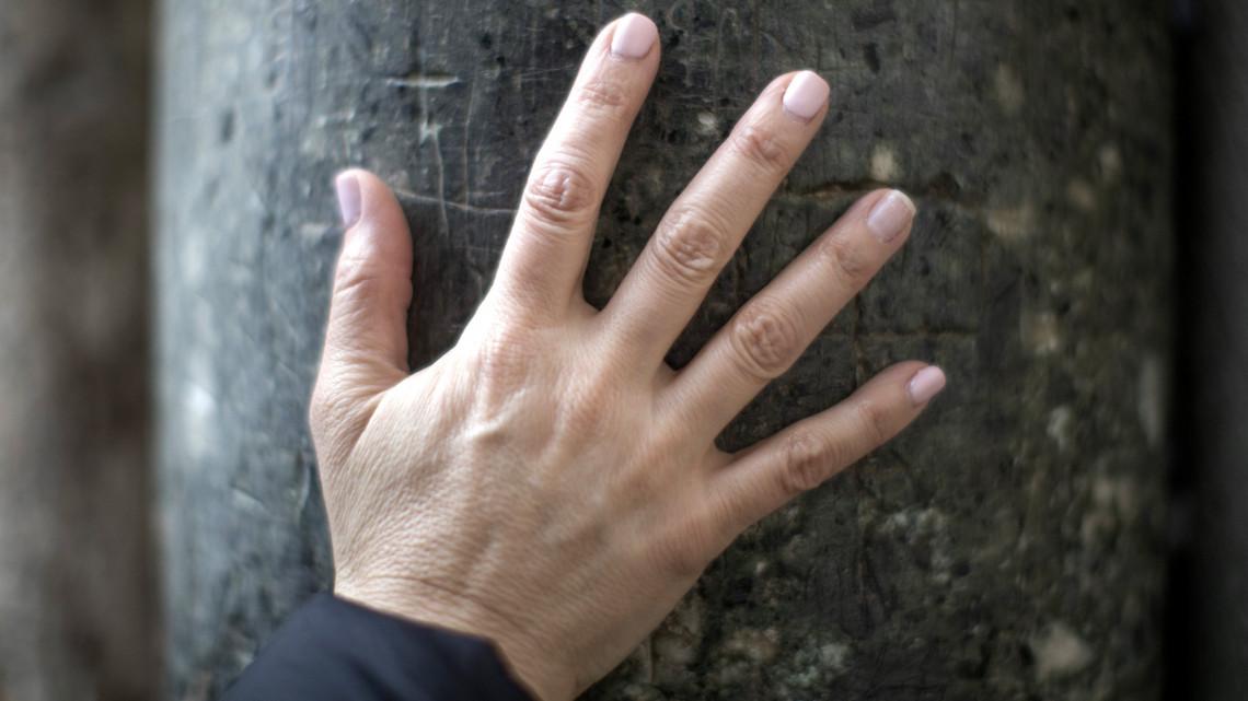 súlyos fájdalmat okoz a kéz ízületeiben ragacsos ízületi fájdalom 6