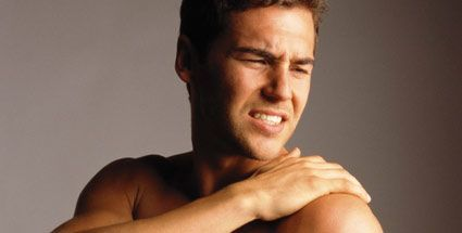 állandó húzó fájdalom az ízületben)
