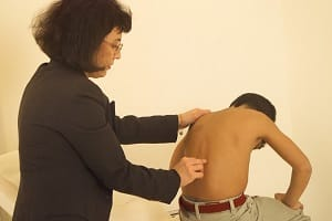 Amikor lehajlok, fáj a hátam ,ízületek kezelése Shevchenko könyv,