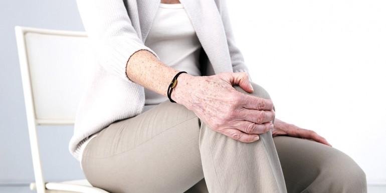 kivel kell kapcsolatba lépni, ha a vállízület fáj duzzanat és fájdalom az ujj ízületében