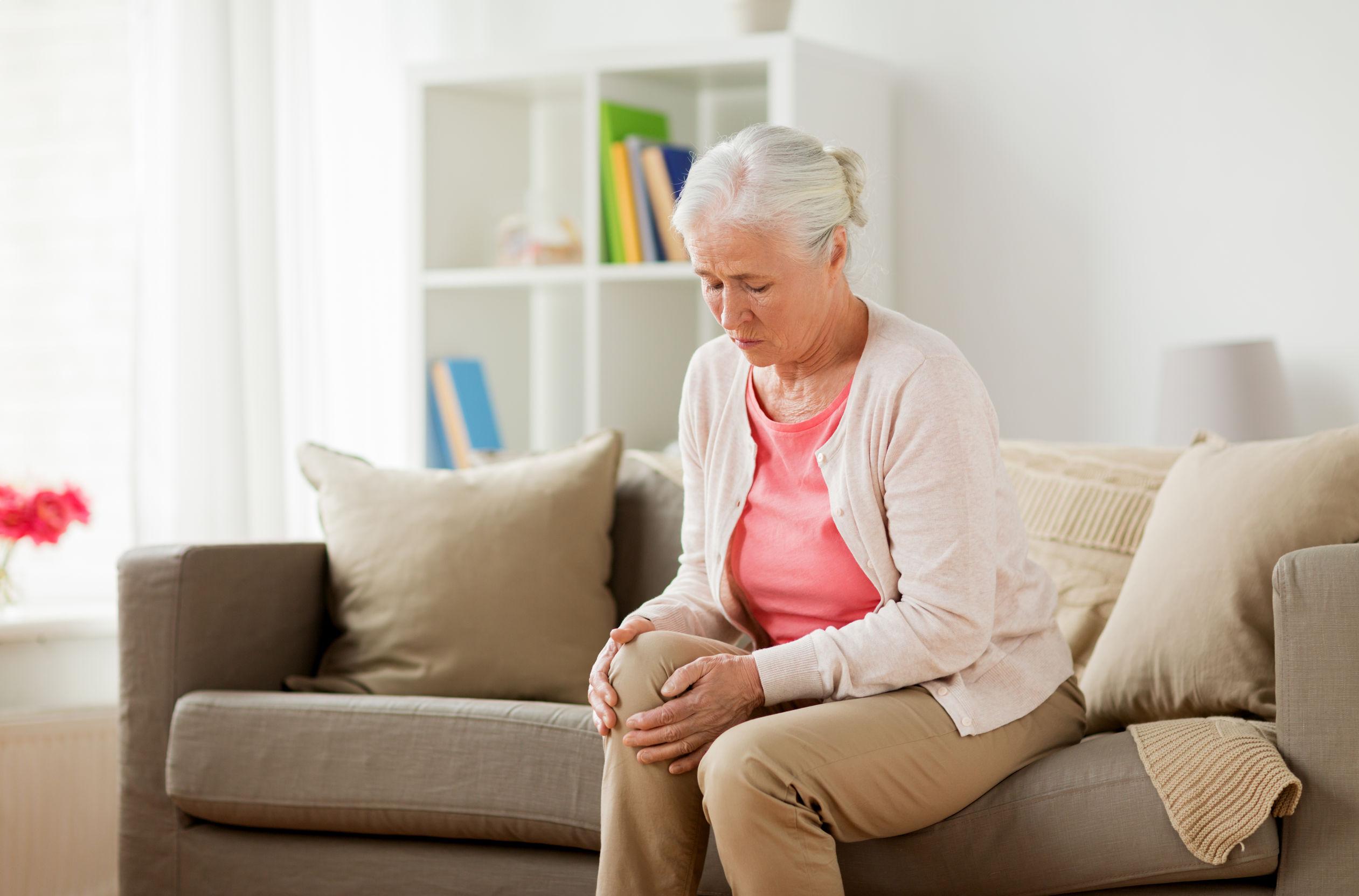 idős nők ízületi kezelése)