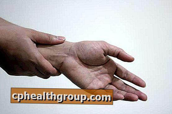 súlyos fájdalom a kéz ízületeiben, mint hogy kezeljék