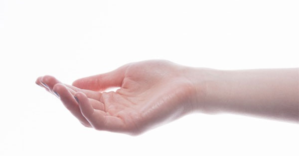 A karon lévő kis ujj diszlokációjának tünetei és kezelése. Kéz diszlokáció kezelése otthon