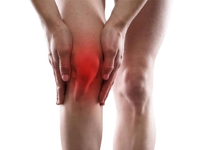 CHOLNOKY VIKTOR: A KÍSÉRTET Fájdalom a lábízületben felülről