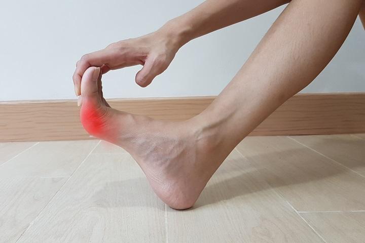 hatékony kenőcs a lábujjak ízületeihez)