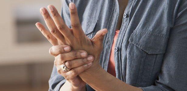 fájdalom a kéz ízületeiben írás közben