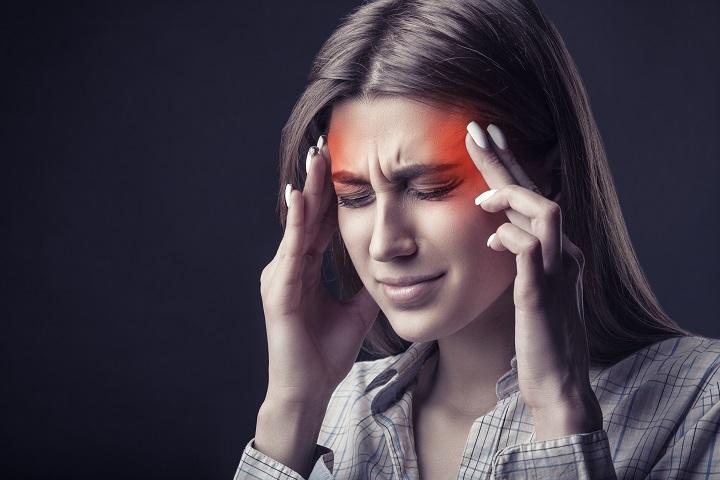 fáj a fej és az ízületek