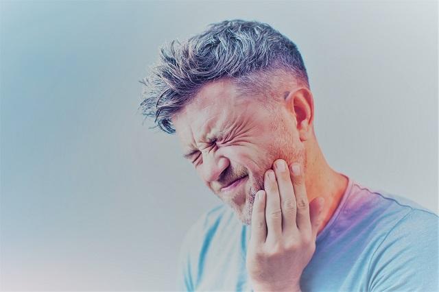 Ezért fáj a váll a huzattól - Fájdalomközpont