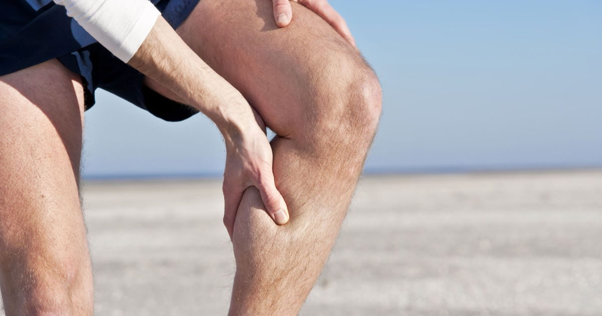 fáj a lábak térdízületei)