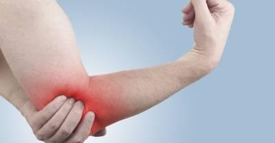 mit kell tennie, fáj a könyökízület