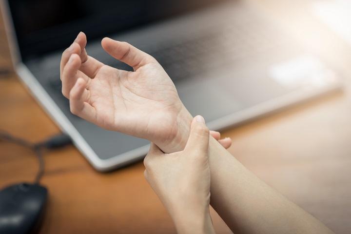 mutatóujj artritisz