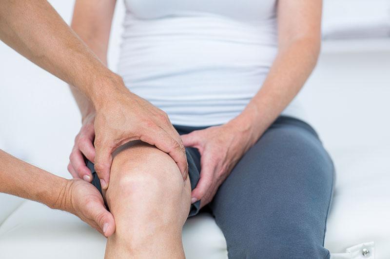 ízületi fájdalommal megjelennek a lábak hidegrázása miért fáj az ízületek ivás után