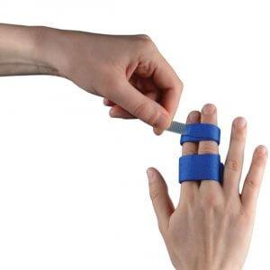 kis ujj fáj a karon az ízületben